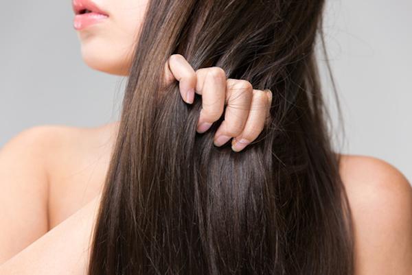硬い髪の毛を柔らかくするには?