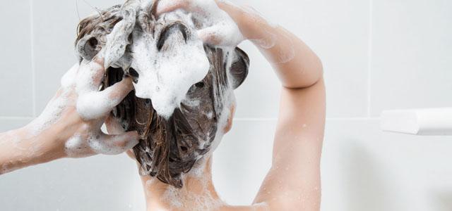 頭皮のゴシゴシ洗いはNG!その理由は…