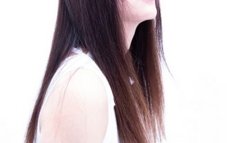 加齢と共に髪の艶が低下する原因と効果的なケア方法