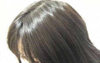 ツヤのある女性の髪