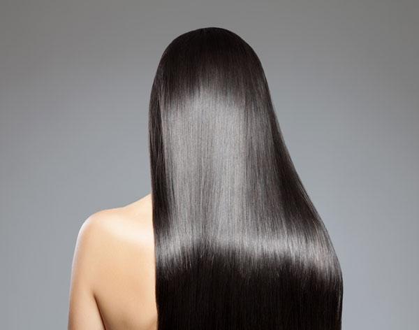 黒髪の美しい女性